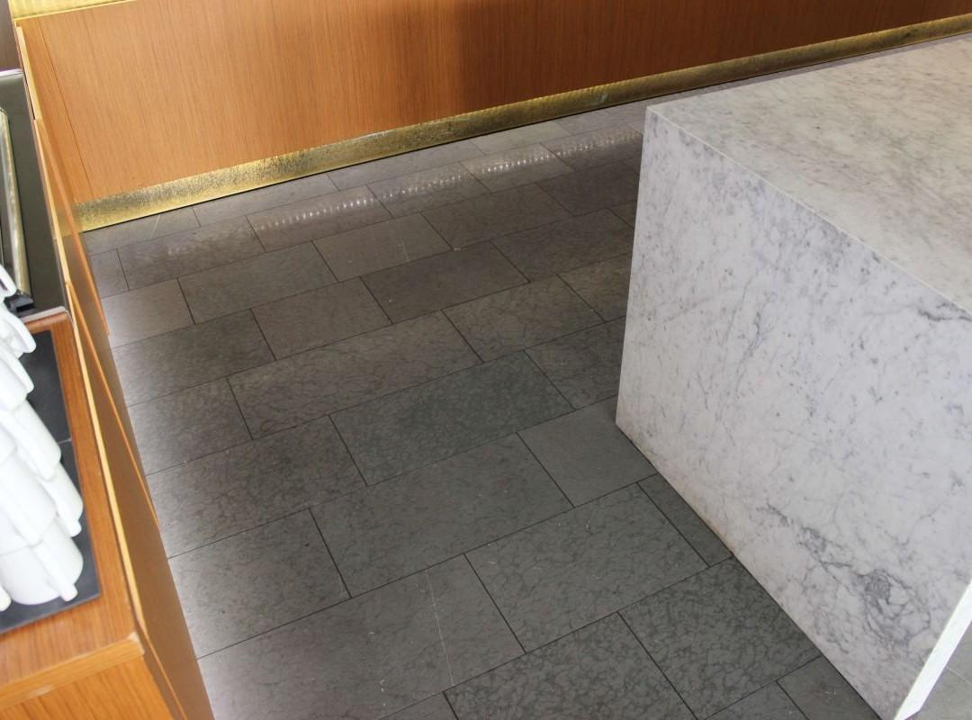 Grå-Jämtlandskalksten-Carraramarmor