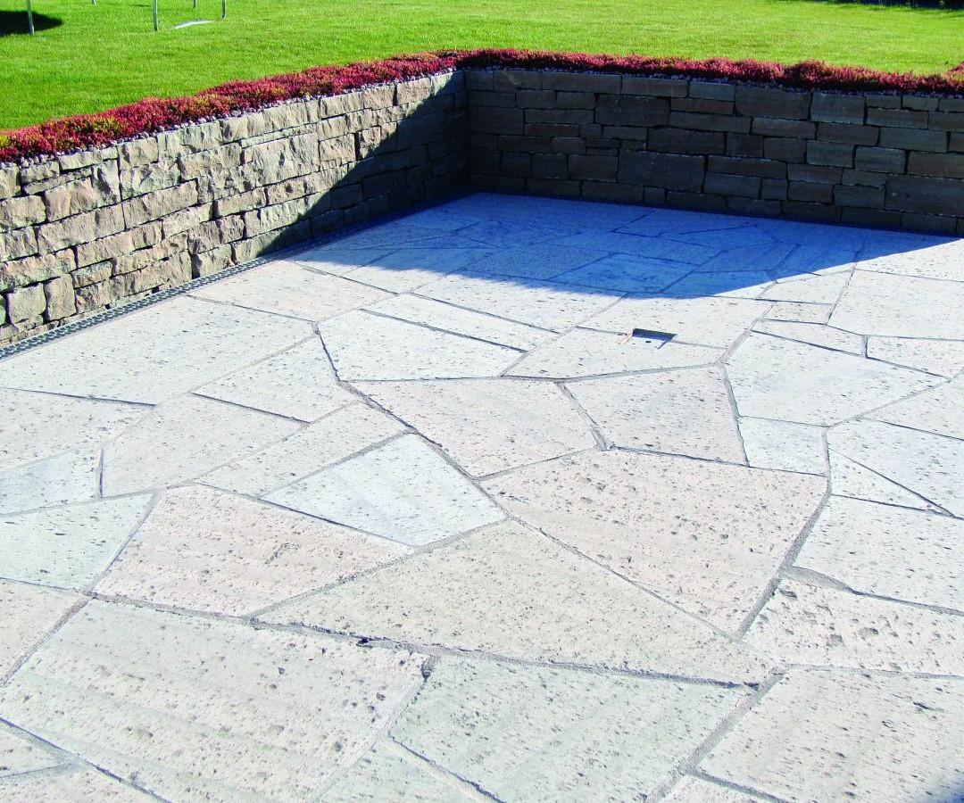 Grå Ölandskalksten, Grovhyvlad yta 1
