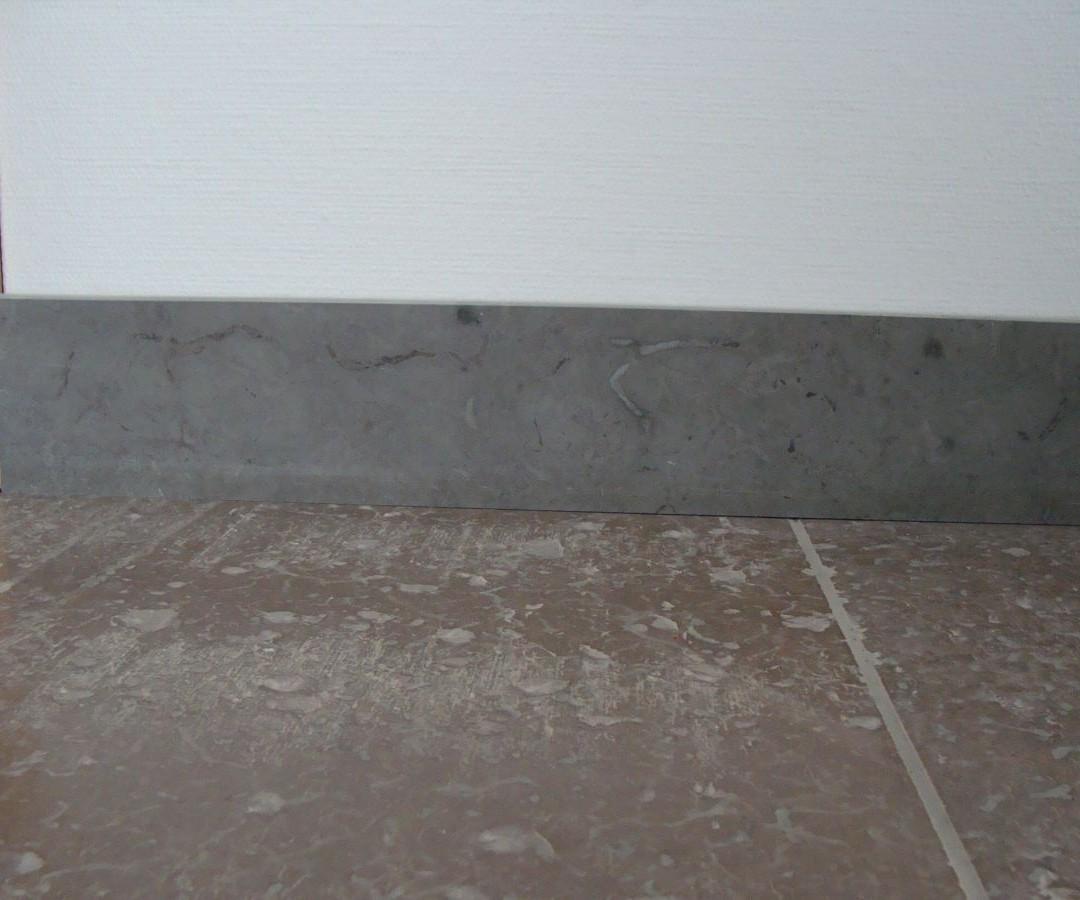 sockel av Ölandskalksten och Jämtländsk kalksten