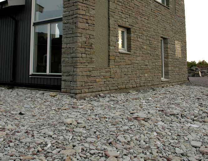 väggfasad av Ölandskalksten och Jämtländsk kalksten